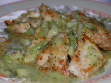 Kurczak w sosie brokułowo-koperkowym