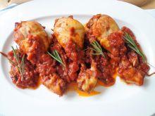 Kurczak w sosie winno-pomidorowym