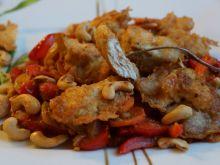 Kurczak w tempurze z nerkowcami