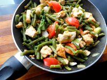 Kurczak w warzywach z patelni