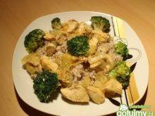 Kurczak z biała kasza z brokułami