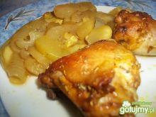 Kurczak z cebulą i cukinią
