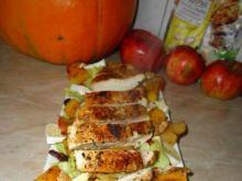Kurczak z dynią na jesiennej sałatce