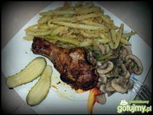 Kurczak z fasolką i pieczarkami
