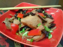 Kurczak z grzybami mun i shitake