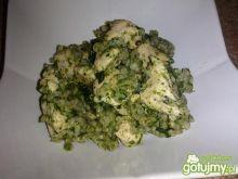 Kurczak z kaszą i szpinakiem