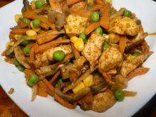 Kurczak z kolorowymi warzywami