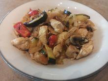 Kurczak z warzywami na ostro