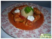 Kurczak z warzywami w pomidorowym curry