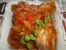 Kurczak z warzywami w sosie
