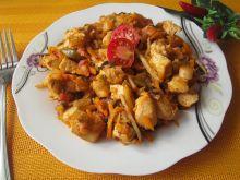 Kurczak z warzywami w sosie słodko- kwaśnym