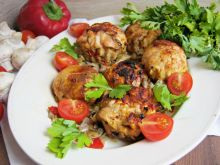Kurczakowe kule z warzywami i serem