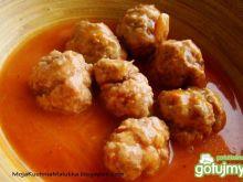 Kurkowe klopsiki w sosie pomidorowym