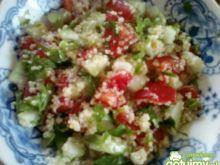 kuskus z ogórkiem i pomidorami