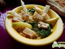 Kuskusowa z gruszką i serem pleśniowym