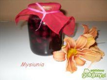 Kwaśne wiśnie w słodkim syropie