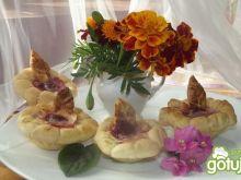 Kwiatki z rabatki z malinkami