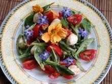 Kwitnąca sałatka z mozzarellą i pomidorkami