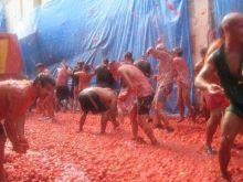 La Tomatina - bitwa nietypowa - pomidorowa!