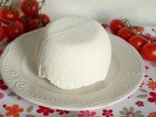 Labneh - serek z jogurtu greckiego