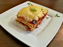 Lasagne z domowym makaronem i warzywami