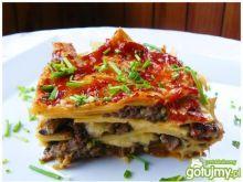Lasagne z mięsem mielonym i beszamelem