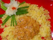 Łazanki z sosem mięsno-śmietanowym :