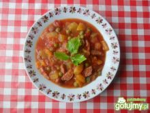 Leczo z groszkiem, cukinią i pomidorami