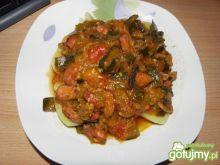 Leczo z kiełbasą i warzywami