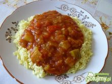 Leczo z ryżem curry.