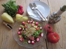 Lekka sałatka warzywna z kiełkami