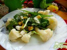 Lekka sałatka z kalafiorem i serem