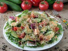 Lekka sałatka z kiełkami brokuła