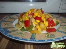 Lekka sałatka ze szpinakiem i sałatą