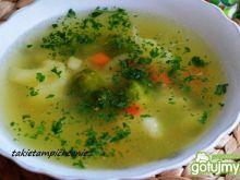 Lekka zupka warzywna z grysikiem