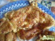 Lekki omlet z szynką, serem, pomidorem