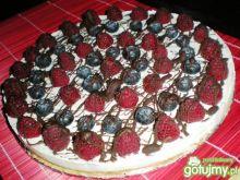 Lekkie ciasto z owocami i czekoladą
