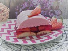 Lekkie ciasto z truskawkami na zimno