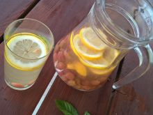 Lemoniada agrestowo-cytrynowa