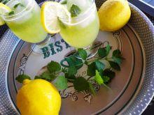 Lemoniada cytrynowa z melisą