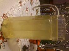 Lemoniada miodowo-cytrynowa z imbirem.
