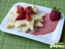 Leniwe z jogurtem i truskawkami