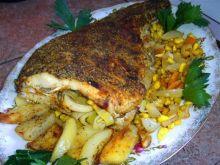Leszcz pieczony z warzywami i ziołami