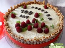 Letni tort malinowy