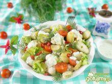 Letnia sałatka kalafiorowo koperkowa