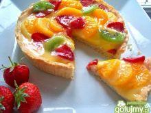Letnia tarta z owocami