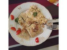 Łosoś podawany z ravioli z łososiem