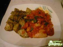 Łosoś z fasolą w pomidorach