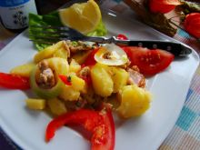 Łosoś z ziemniakami z patelni