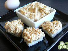 Łososiowo- jajeczna pasta do chleba